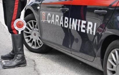 Tenta una rapina, poi picchia i Carabinieri, arrestato