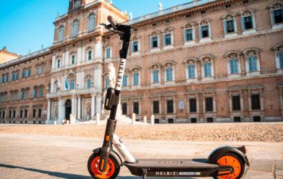Modena, monopattini elettrici: 89 multe per uso scorretto o pericoloso